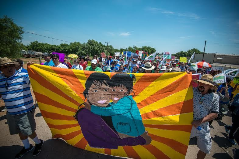 Pressure mounts to shut down immigrant family detention