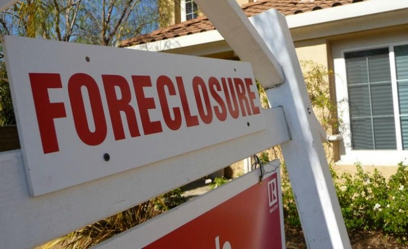 causes of the foreclosure crisis essay